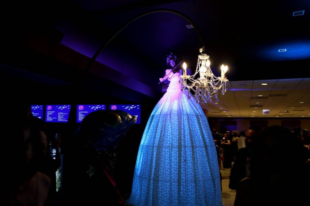 The Tall Lady makes a big statement at the Shedd Aquarium's Underwater Beauty Gala in 2018.